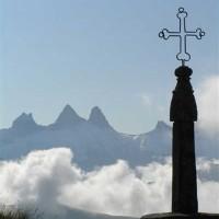 la croix de fer et les aiguilles